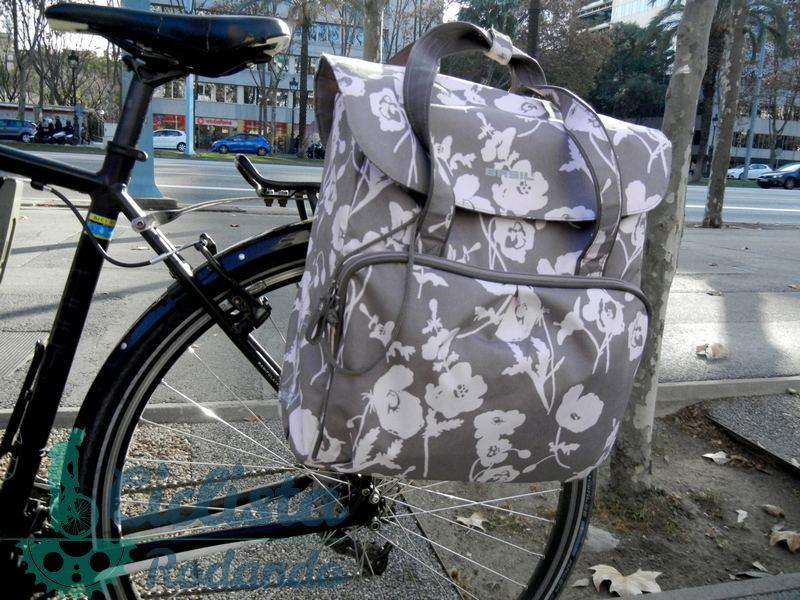 Alforjas bicicleta para mujer muy femeninas de basil - Anclaje para bicicletas ...