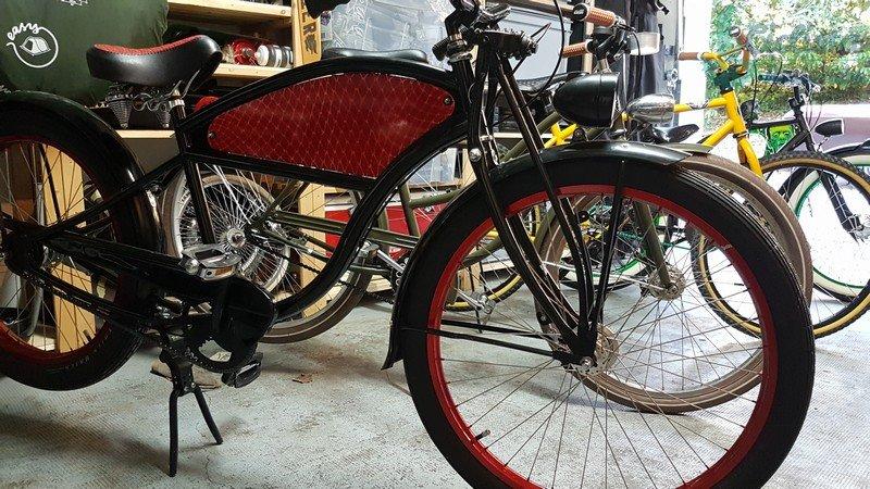 CBCB Le Chêne-Bourg Custom Bicycle  ejemplo