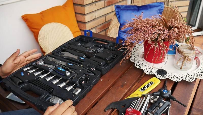 Maletín de herramientas vs herramientas sueltas