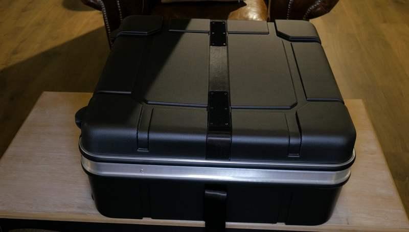 maleta rígida brompton avion cerrada