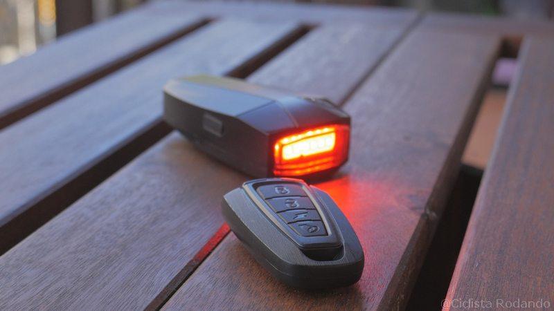 Alarma bicicleta con luz trasera 1