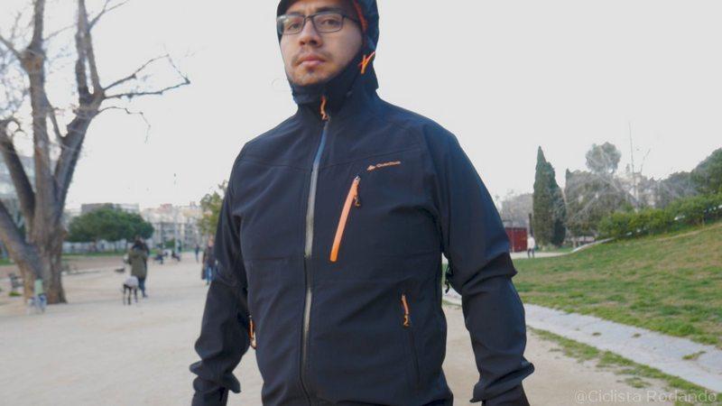 Chaqueta lluvia Decathlon la MH500 bolsillos termosellados