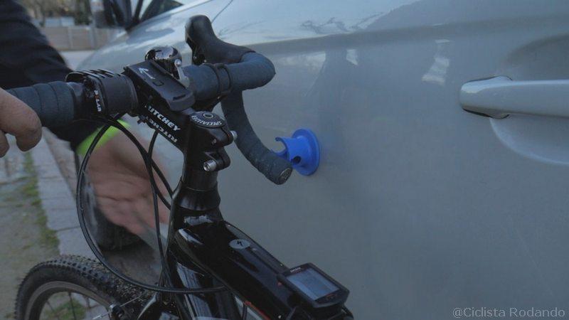 como apoyar bicicleta en el coche