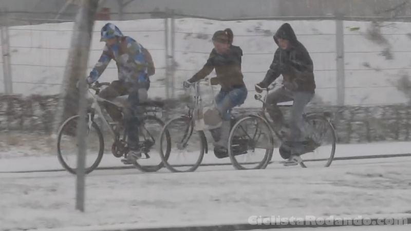 bicicletas con mal nieve