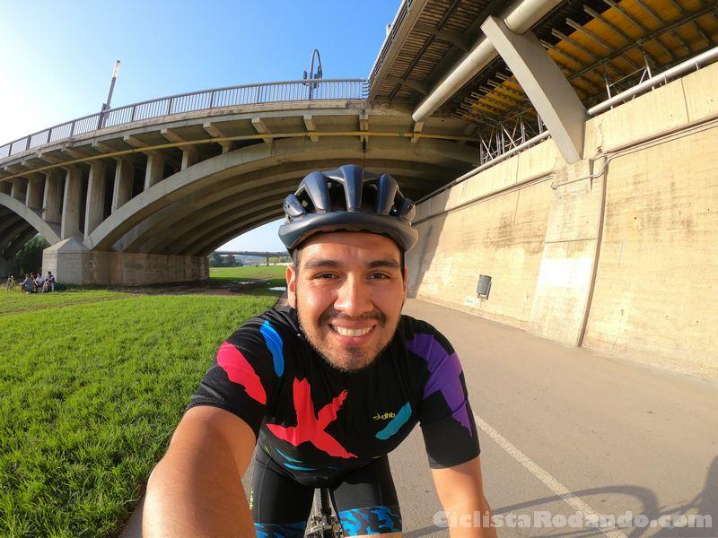 ciclista rodando caco met