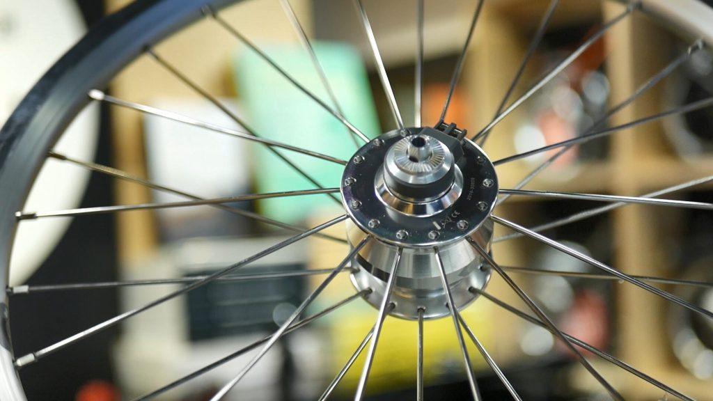 Dinamo brompton bicicleta
