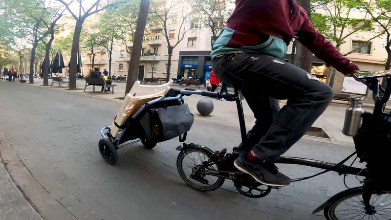mejore remolque de bicicleta burley travoy  rodando